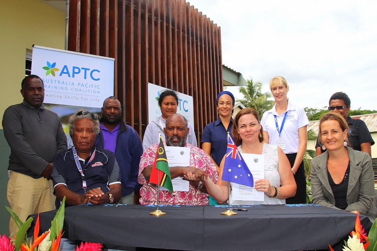VIT-APTC partnership signing